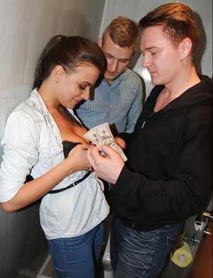 Excited friends find a popular kitten and give her money for threesome in restroom